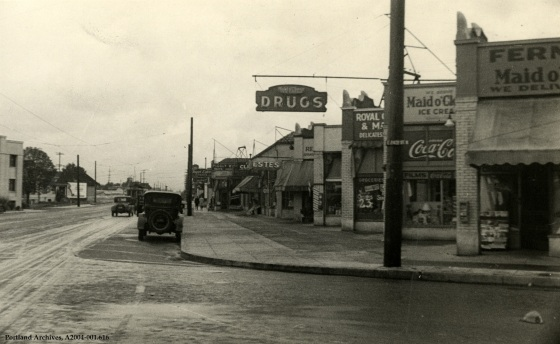 Sandy Boulevard looking northeast from E. 24th Street, August 4, 1932: A2004-001.616