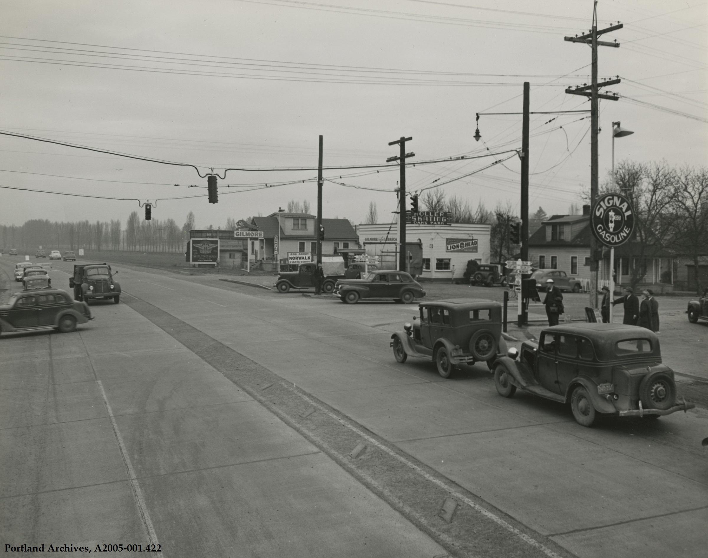 SE McLoughlin Boulevard and SE Tacoma Street looking north, circa 1942: A2005-001.422