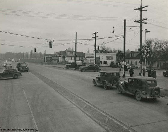 SE McLoughlin Boulevard and SE Tacoma Street looking north, circa 1942: A2005-001.422