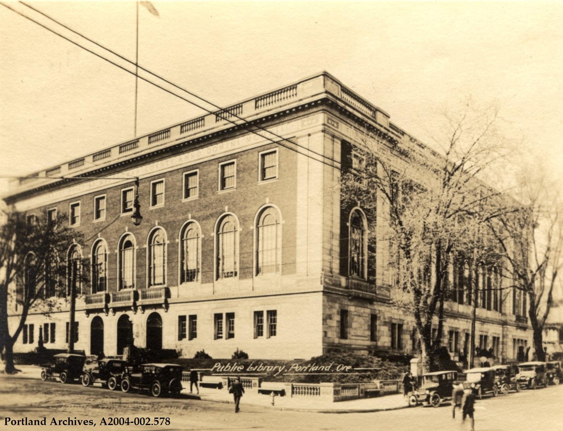 Public library exterior, circa 1918: A2004-002.578