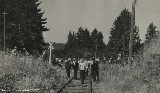 Longshore strikers on railroad tracks near Pier Park and N Columbia Boulevard, 1934: A2004-002.9377