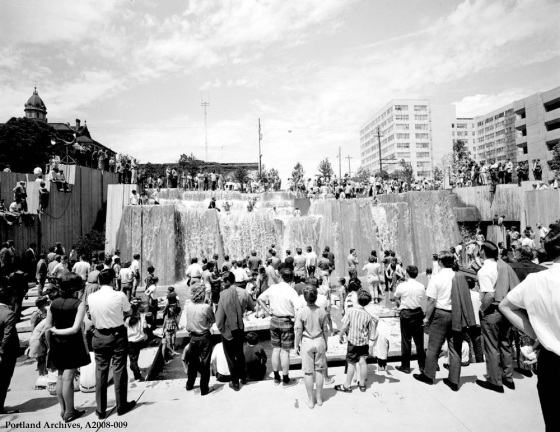 Forecourt Fountain dedication, 1970: A2008-009