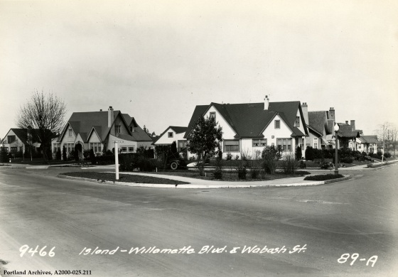 Safety island at N Willamette Boulevard and N Wabash Street, 1931: A2000-025.211