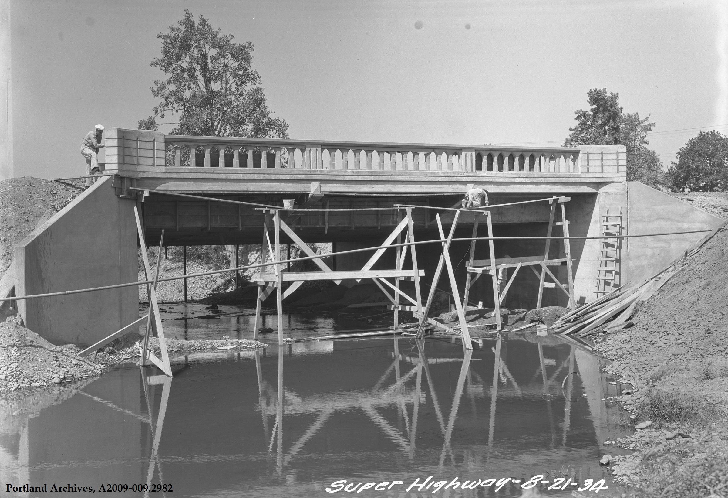 Bridge Construction SE McLoughlin Boulevard, August 21, 1934: A2009-009.2982