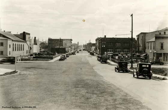 SE 7th Avenue near the SE Washington Street intersection, circa 1932: A1999-004.295