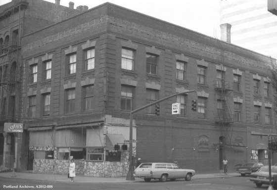 City of Portland Archives, Oregon: View of northeast corner of SW 3rd and SW Salmon, A2012-008, 1982
