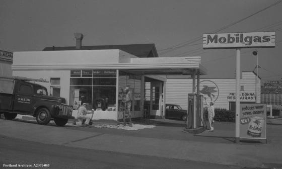 City of Portland Archives, Oregon: SW 4th Avenue near SW Lincoln Street , A2001-083, 1950