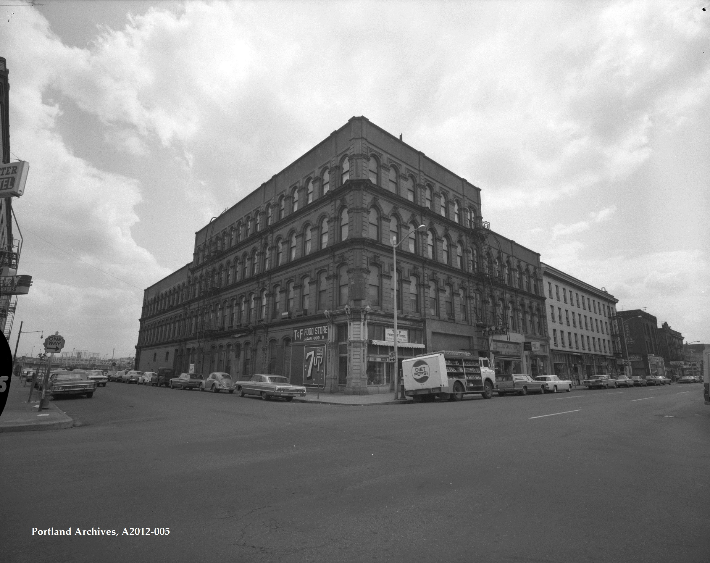City of Portland Archives, Oregon, Building at NW 3rd Avenue and NW Davis Street, A2012-005, 1968.