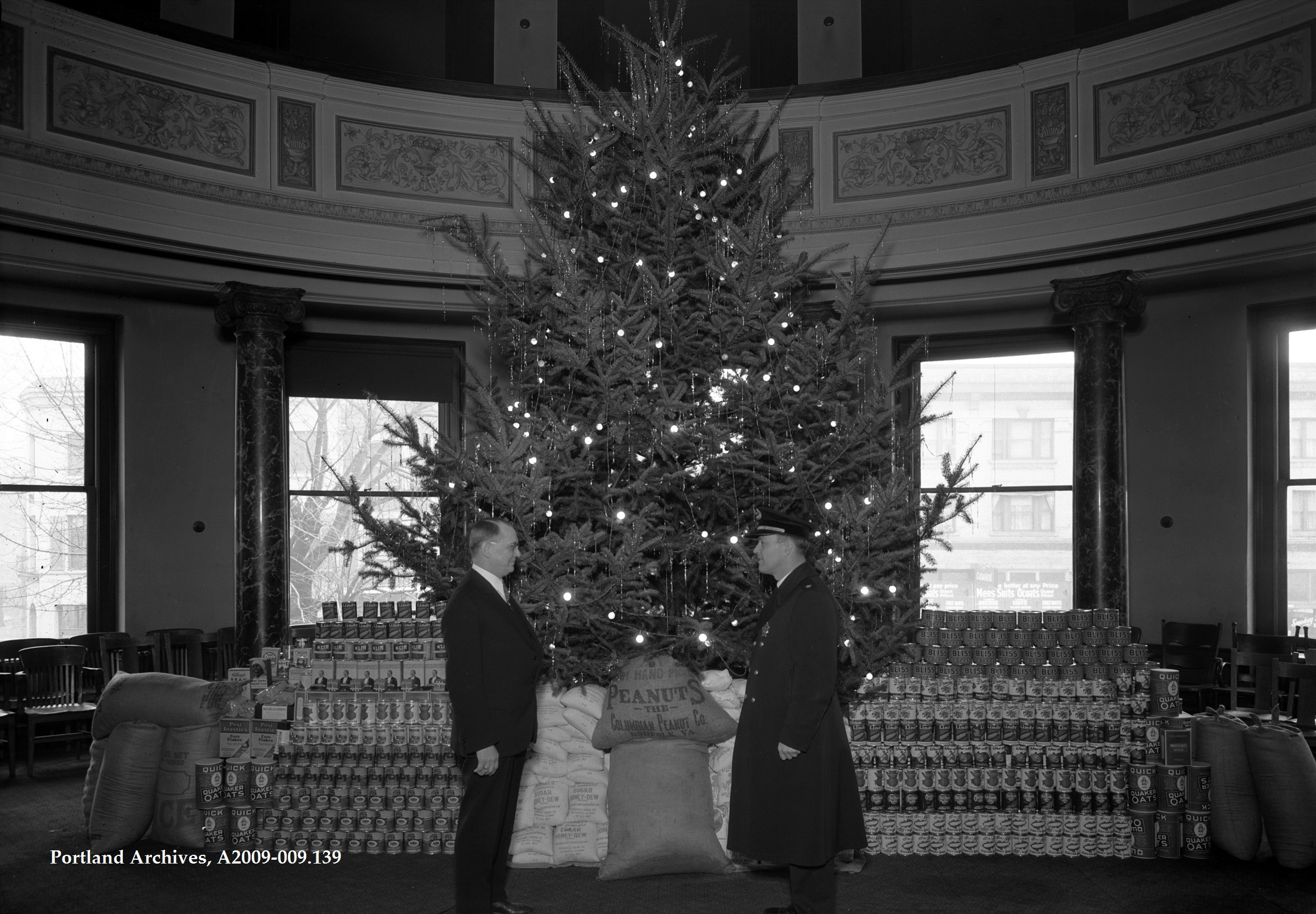 Portland Christmas Tree.City Hall Christmas Tree 1935 Vintage Portland
