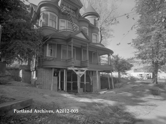 City of Portland Archives, Oregon, John Brown House in Couch Park, A2012-005, 1972.